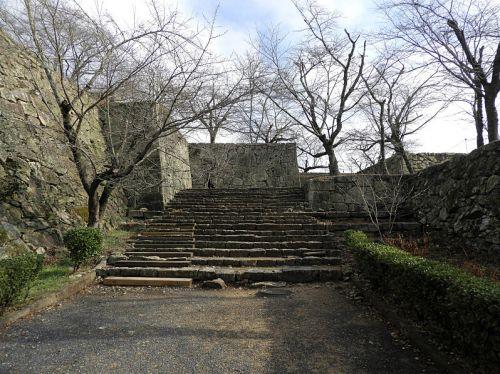 津山城(日本100名城) 7   切手門から表鉄門